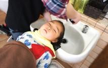 古い記事: シャンプーを嫌がって泣いてしまいます… | 子育て質問箱