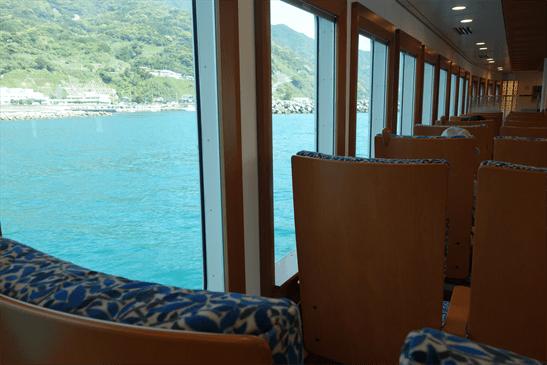高速船甑島から眺める甑島。