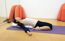 古い記事: 仰向け割り座のポーズ/足のむくみを解消 | グラヴィティヨガ
