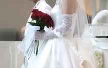 古い記事: 最新ウェディングドレス情報。ゲストへの想いを叶えるドレスとし