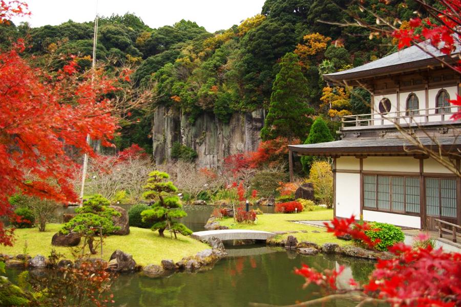 清水岩屋公園の紅葉