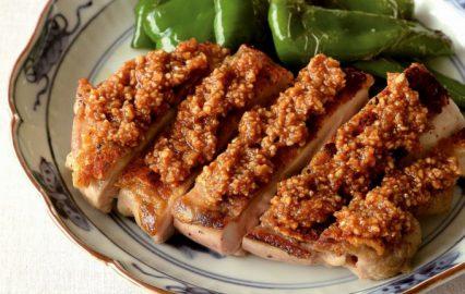 門倉多仁亜の鶏もも肉とピーマンのソテー ピーナツソース添え
