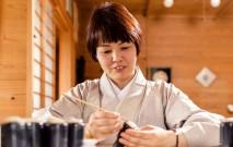 古い記事: 室田 志保さん | 薩摩ボタンを現代の生活に「復活」させたい