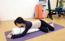 古い記事: うつ伏せでおなかをねじるポーズ/腰痛改善 | グラヴィティヨ