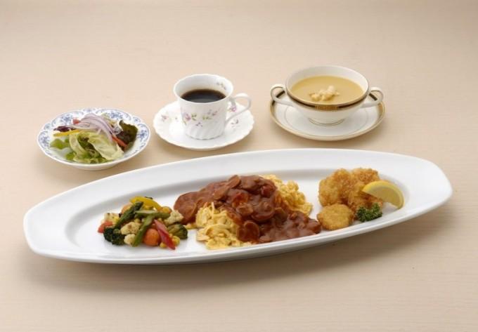 カフェレストラン「トリアン」オムライス&フライセット
