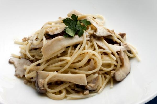 Ristorante Fenice 仔牛クリームとキノコの煮込みパスタ