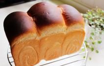 古い記事: 食パンという呼び方は日本の造語!? | パンにまつわる耳より