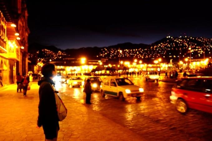 ♪街の明かりがぁ~ とてもキレイね・・♪(古っ!)