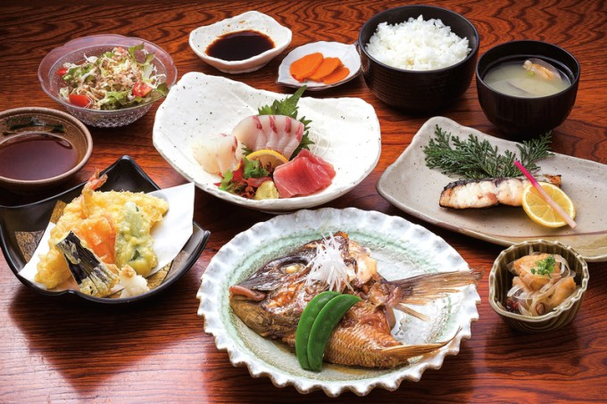 旬の魚を味わえる和定食(並・2,100円)
