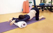 古い記事: 伸びをする子犬のポーズ/月経痛の緩和 | グラヴィティヨガ