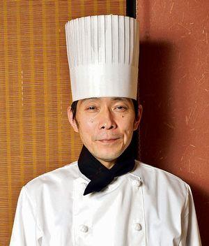 383黒酢の達人_料理人画像resize