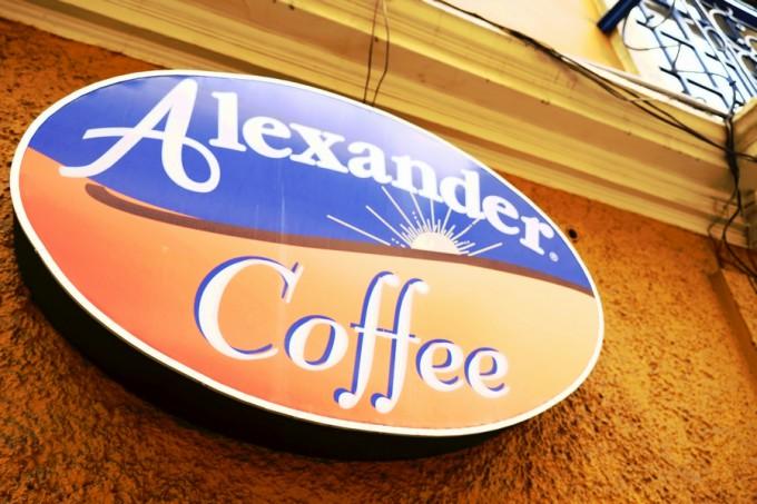 チーズケーキで有名な『アレキサンダーカフェ』