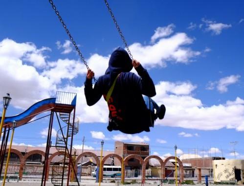 さあ、あの青空に向かって、力いっぱい飛び出せ!!