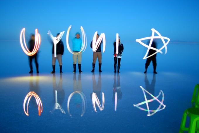 ウユニ塩湖でまたまた文字作り