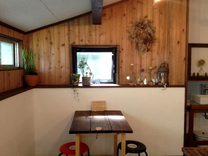 カフェ「kiina」の店内