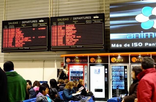 マドリッドのバスターミナル。キレイなとこなんだけど・・