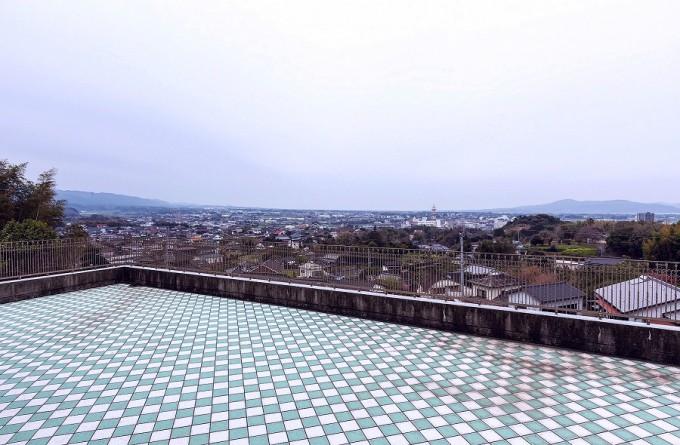 高台にあるので出水市街地を一望できる