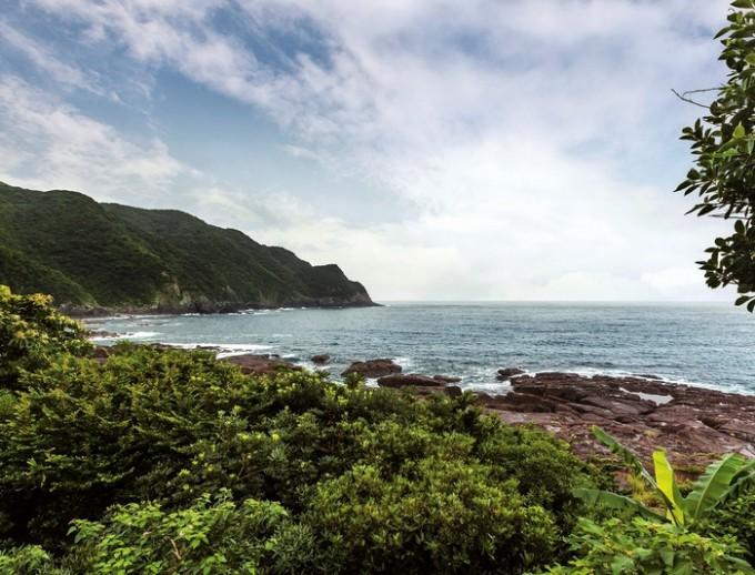リアス式海岸を眺めながら食事を楽しめる
