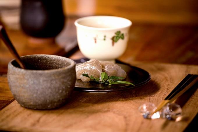 くず餅とくず切りは県内産本くず粉を使用