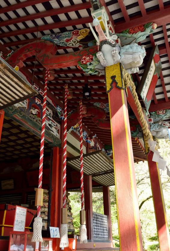 花尾神社社の見事な彫刻や装飾
