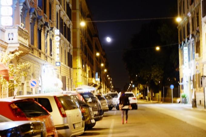 はればれとした ローマの夜