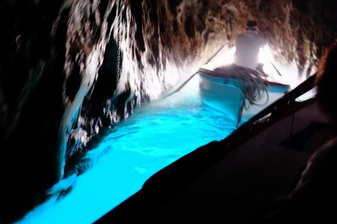 ついに、ついに!青の洞窟へ~