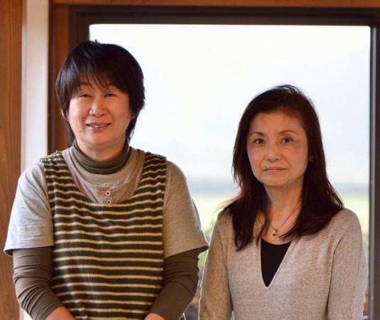吉田和江さん(左)と鈴木尚子さんの息の合う2人でお店を切り盛り