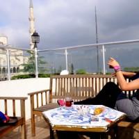 イスタンブールのテラスでリゾート気分