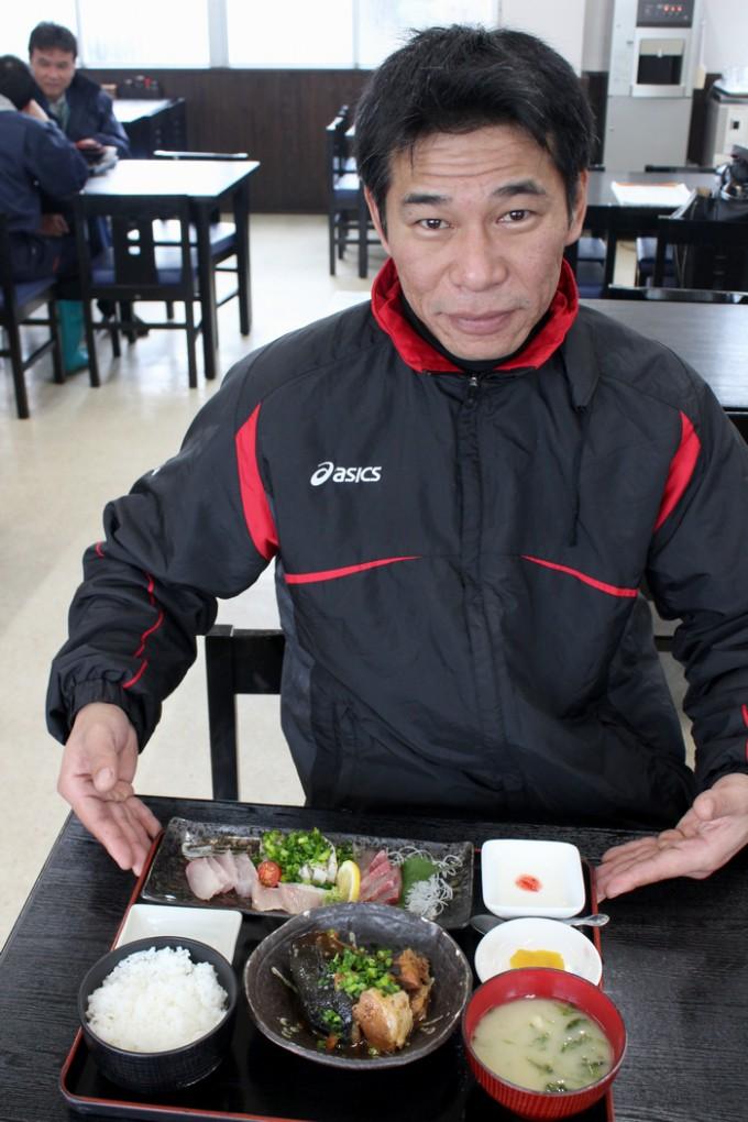 「味処 鰤王」食堂チームリーダーの浜島敦さん
