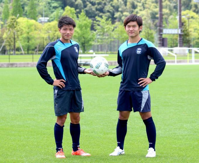 鹿児島ユナイテッドFC DF塚田翔悟選手(写真左)とMF中原優生選手(写真右)