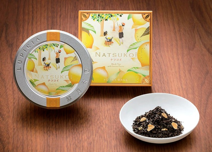 セイロンの茶葉をベースにレモンの香りをブレンドした「ナツコイ」。アイスティーで飲むのもお薦め