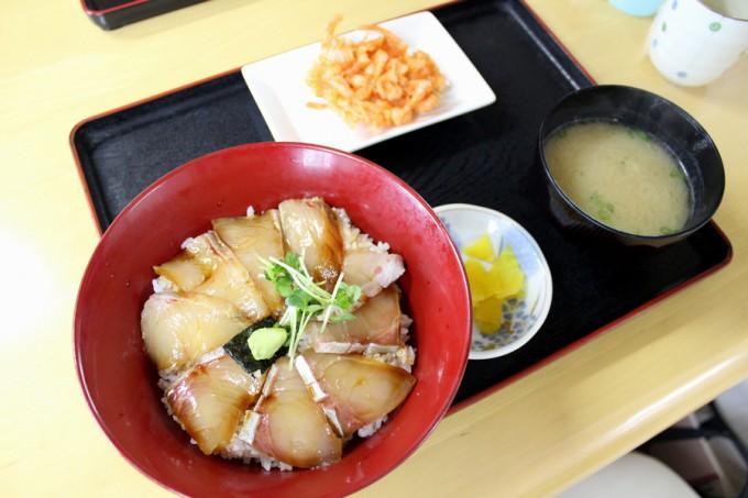 2015年全国丼グランプリ海鮮丼部門で金賞を受賞した「かんぱち漬け丼」