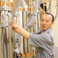 倉掛智之さんはブルワリー立ち上げから参加し、レシピ考案から製造までを手がける