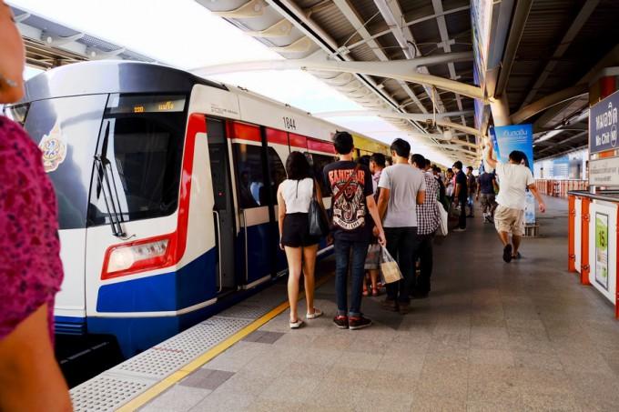 電車の交通網も発達していて便利