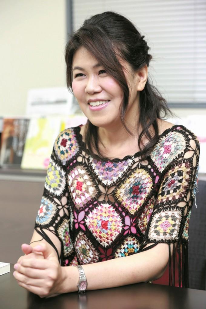 文筆家・写真家 有川 真由美さん