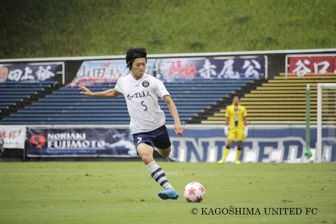 鹿児島ユナイテッドFC MF_5 井上渉選手プレー中