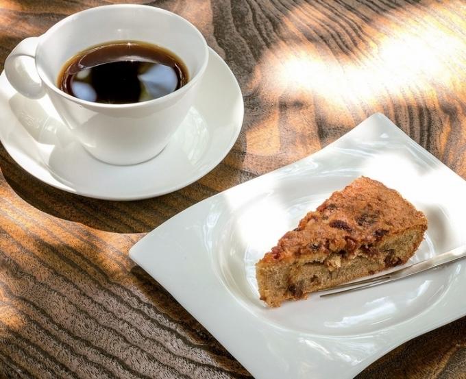 ガーデンカフェ ウインドの森 木の実ケーキとコーヒー