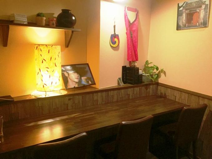 韓国家庭料理 釜山のカウンター席
