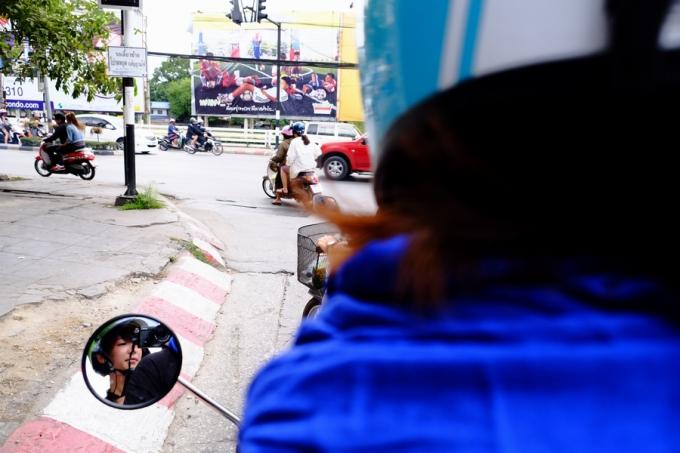 タイ・チェンマイで、バイク2人乗りしちゃった