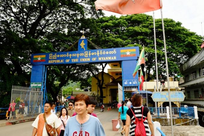 タイを出国する…