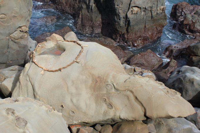 鵜戸神宮の亀石