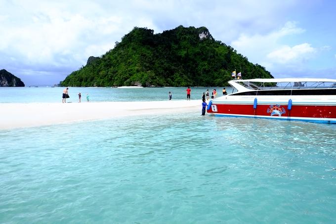 リゾート感満載のタイ・クラビのビーチ