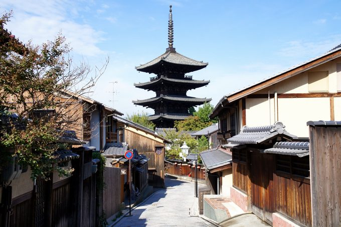 伝統的な日本家屋や寺院