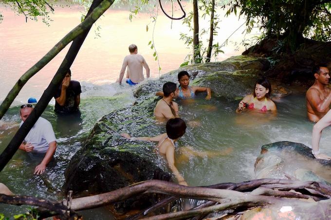 Hot Stream Resort 水着で混浴