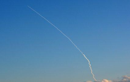 古い記事: 真冬の青空に白く描かれたロケット雲/H2Aロケット32号機【