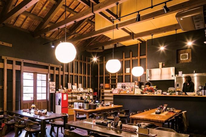Cafe MIYABIの店内