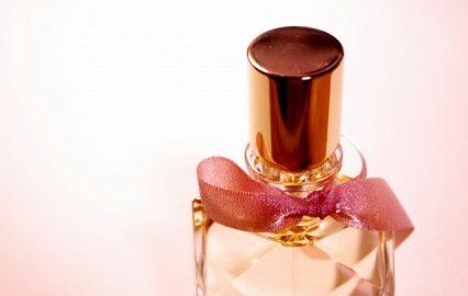 古い記事: 春コスメ人気TOP3。『香り』をまとう春にしよう