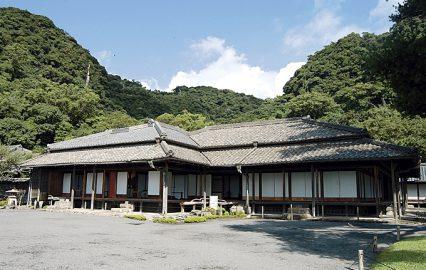 古い記事: 歴史伝える仙巌園の御殿には屋久杉も使われた | 建物探訪編