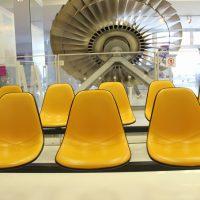 鹿児島空港SORA STAGEのイームズ・シェルチェア