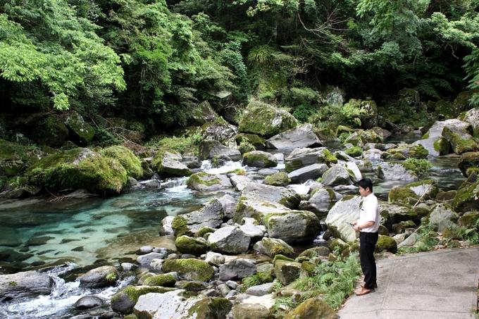 雄川の滝、途中の渓谷